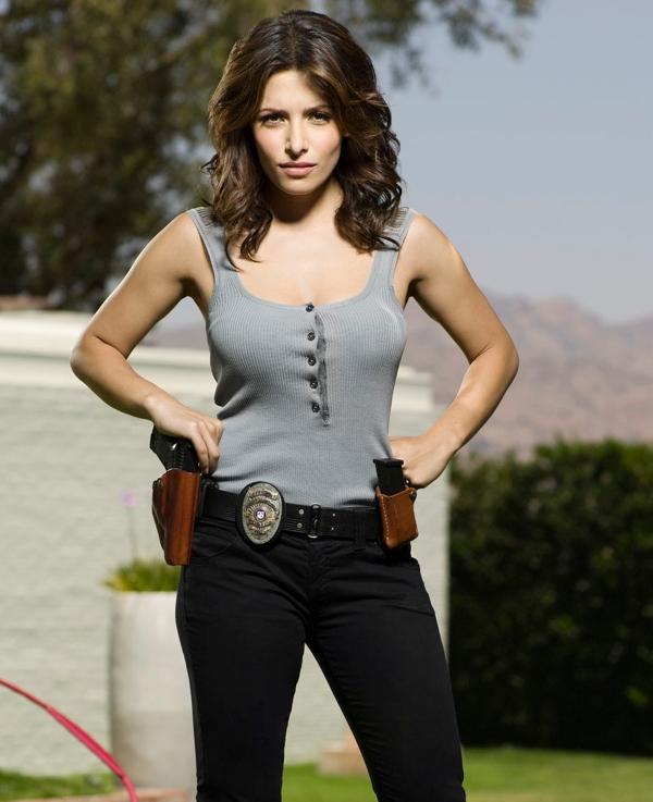 Sarah Shahi as Dani Reese in Life