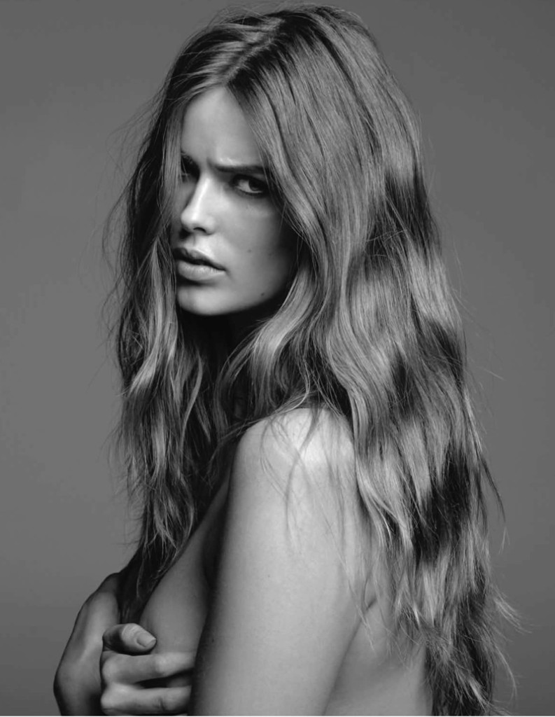 Robyn Lawley in black and white