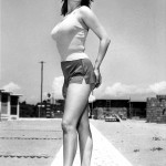 Sophia Loren in shorts (black & white)